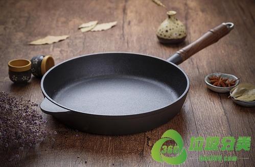 废旧平底锅(煎锅)属于什么垃圾分类?