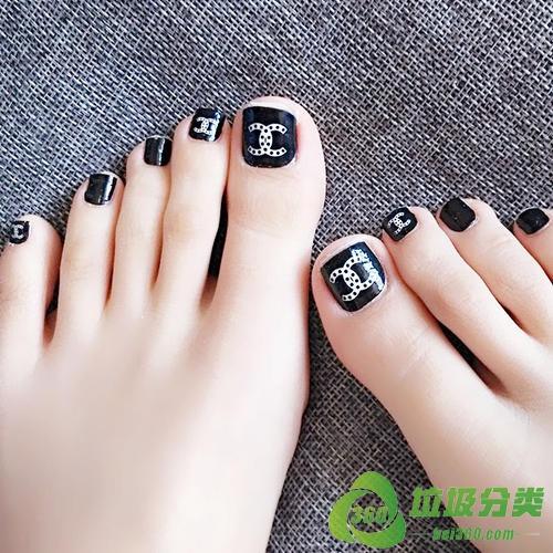 脚指甲属于什么垃圾分类?